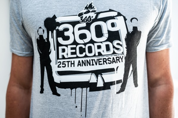 "T-Shirt - 360 ""25 Jahre"" Hell"